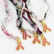 ONG Orientavida desenvolve coleção especial de pulseiras para a Campanha Pense Rosa