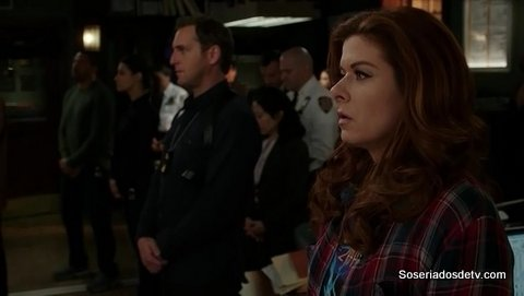 The Mysteries Of Laura: The Mystery of the Unknown Caller e The Mystery of the End of Watch (2x15 e 2x16)