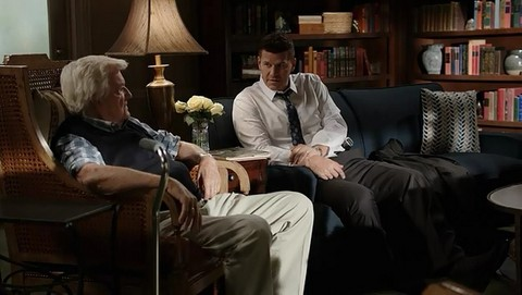 Bones: The Final Chapter: The New Tricks in the Old Dogs (12x03)