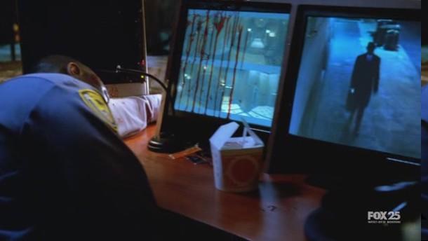 Observador em Fringe S01E10