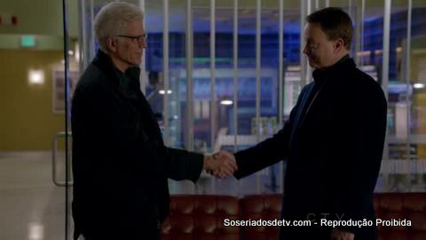 CSI: In Vino Veritas (13x13) e CSI: NY: Seth and Apep (9x15)