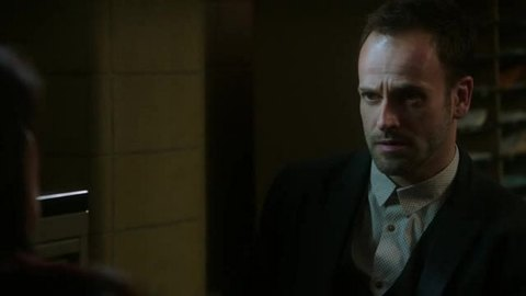 Elementary: Snow Angels (1x19)