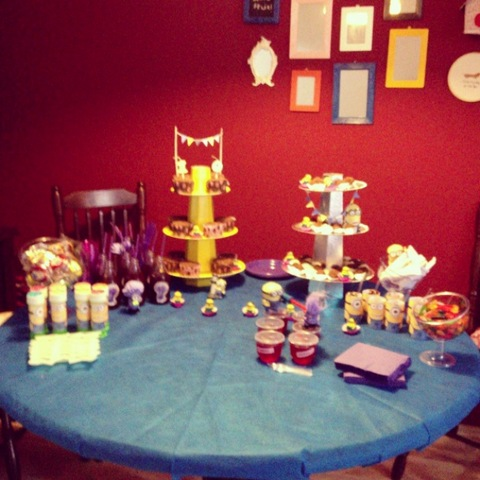 mesa festa de minions - meu malvado favorito 2