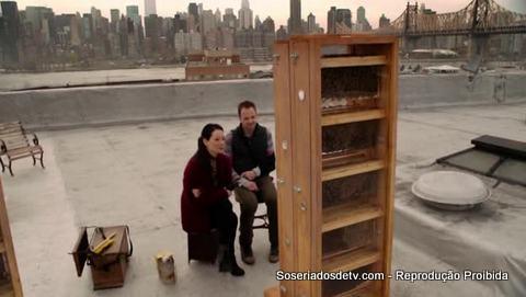 Elementary: Heroine (1x24)