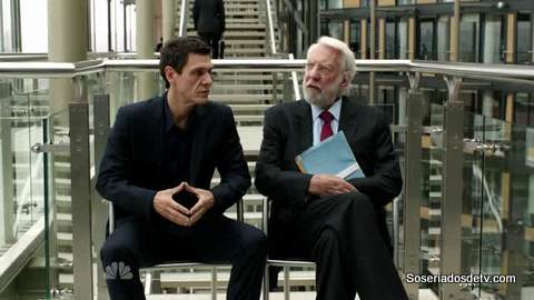 Crossing Lines: Pilot (1x01)
