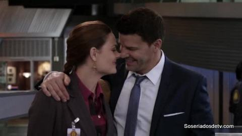 Bones: The Pathos in the Pathogens (8x23)