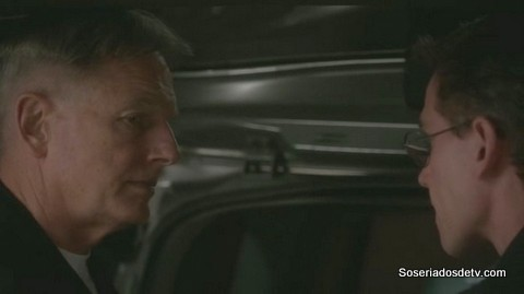 NCIS: Rock and a Hard Place (11x17)
