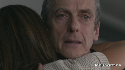 Doctor Who: Death in Heaven 8x12 s08e12 doctor clara abraço hug