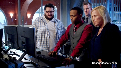 CSI Cyber CMND - Crash 1x02 s01e02