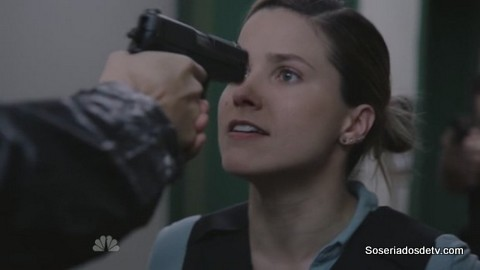 Chicago P.D.: Push the Pain Away 2x22 s02e22 Lindsay