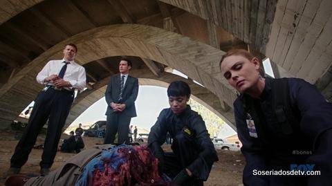 Bones The Purging in the Pundit 10x03 s10e03 Booth Brennan Aubrey