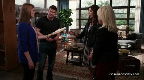 Bones The Psychic in the Soup 10x11 s10e11 Brennan Booth Angela Avalon