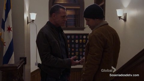 Chicago PD Looking Out for Stateville 3x12 s03e12 Voight Atonio