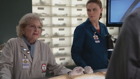 Bones The Carpals In The Coy-Wolves 11x04