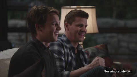 Bones: High Treason in the Holiday Season (11x08)