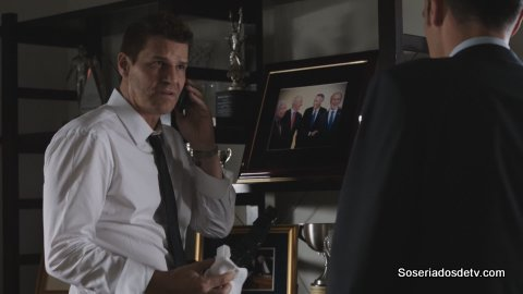 bones The Senator in the Street Sweeper 11x06