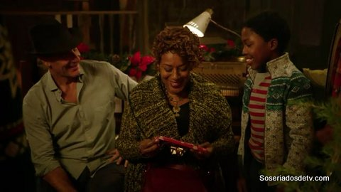ncis-new-orleans-2x11-s02e11-blue-christmas