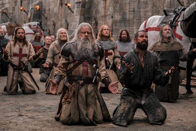 Segunda temporada de KnightFall estreia com Mark Hammill como mestre dos cavaleiros